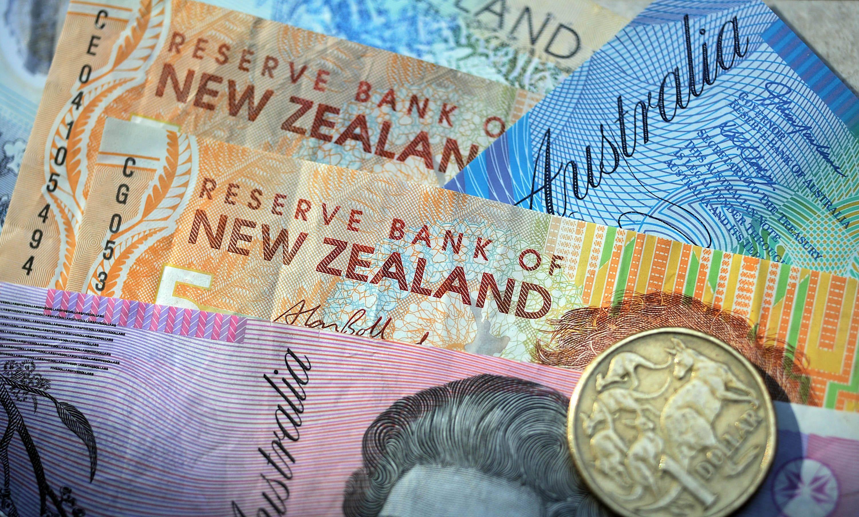 Новозеландский доллар отступает по всем фронтам