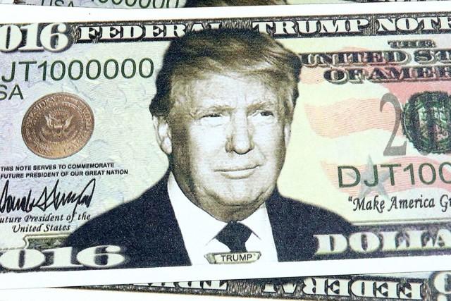 Доллар зависит от цен на нефть и политики Трампа