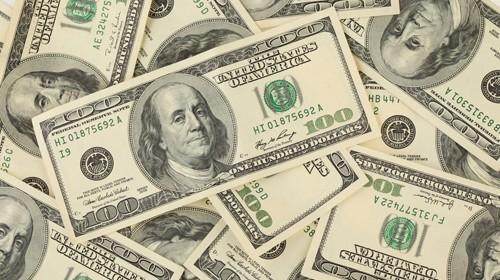 Три причины, по которым нужно продавать доллары США